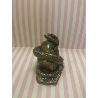 Змей на золотом слитке - силиконовая форма